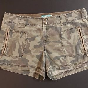 Juicy Couture Green Camo Shorts Size 12 3""
